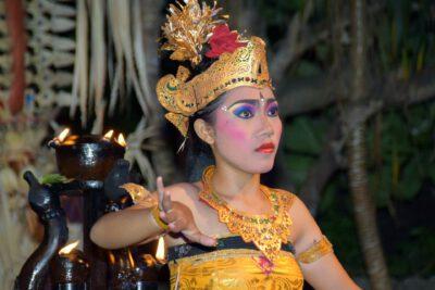 Woon zeker een van de Balinese dansen bij als je op Bali bent, Indonesie