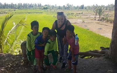 Lara van KidsReizen in Indonesië