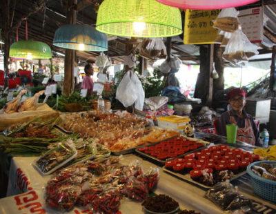 Inkopen doen voor de kookcursus in Chiang Mai, Thailand