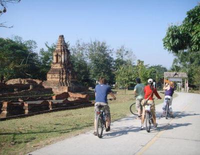 Fietsen op het platteland bij Chiang Mai, Thailand