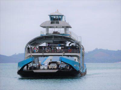 Ferry bij Koh Chang