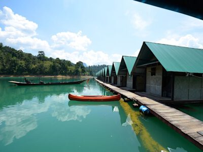 Kanoen op het park Khao Sok National Park, Thailand