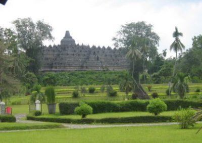 Bezoek de Borobudur 's morgens vroeg, Java, Indonesie