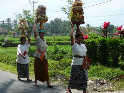 Offervrouwen op Bali